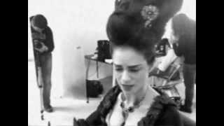 """Amy Bailey - Sky """"Mirror Mirror"""" (behind the scenes)"""