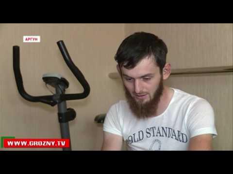 Рамзан Кадыров подарил жителю Аргуна, пострадавшему в ДТП, автомобиль и новый дом