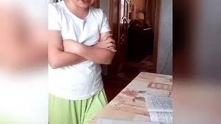 Как не внимательно Катя делает уроки!!!!!!!