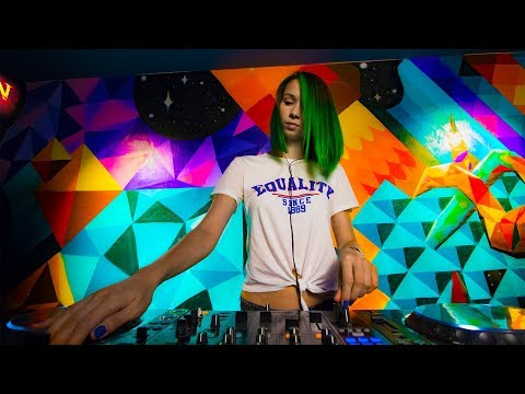 Miss Monique -  Live @ Radio Intense 11.07.2018 // Progressive House Mix