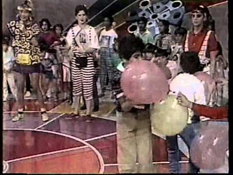 Manchete - Chamada Clube da Crianca com Xuxa