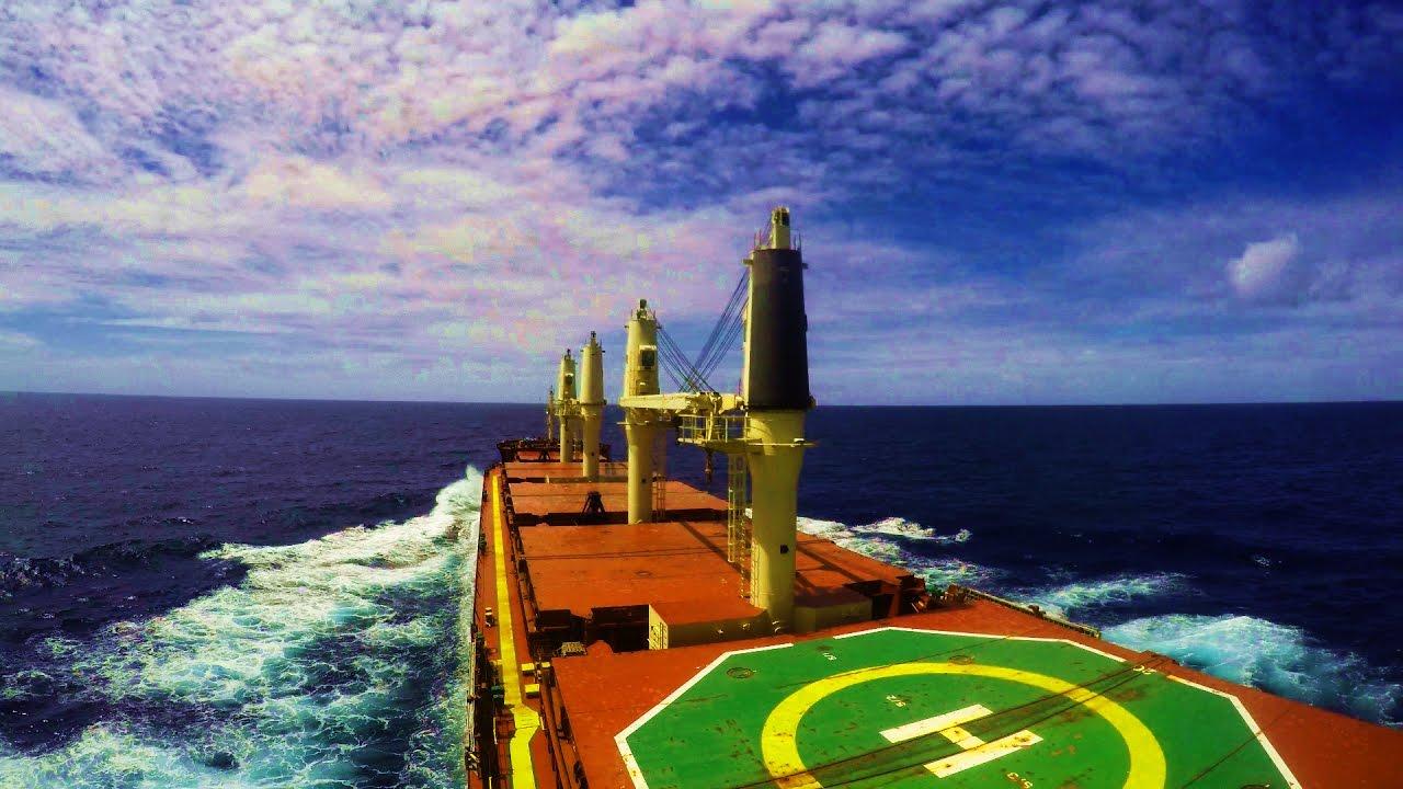 Как выглядит работа в море
