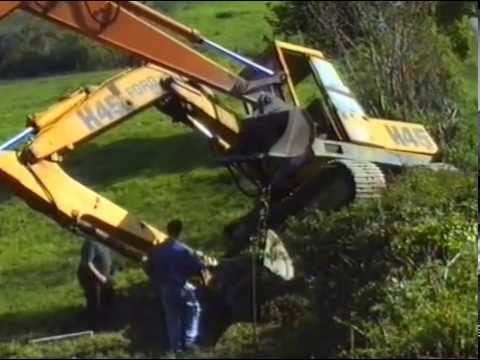 THE FIRST FLYING DIGGER CRASHES.