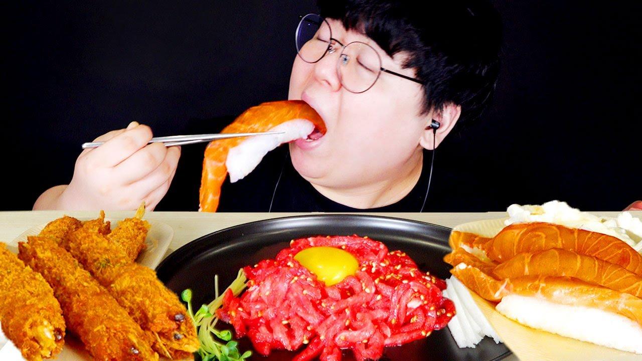 쫀득한 육회와 대왕 연어초밥 먹방...! Mukbang