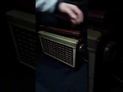 RADIO ANTIGUA DE COLECCION ZENITH Z402R