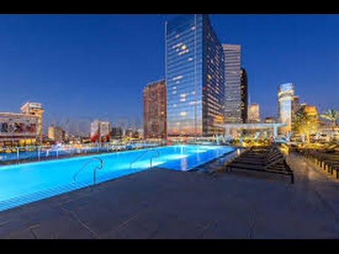 Explore Downtown Houston| Marriot Marquis, Discovery Green Etc.