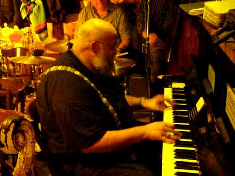 Trad Jazz Piano at Papa Joe