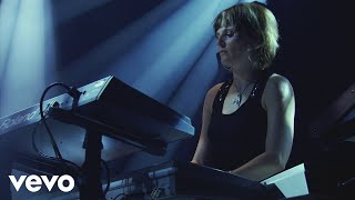 Faithless - Drifting Away (Live At Alexandra Palace 2005)