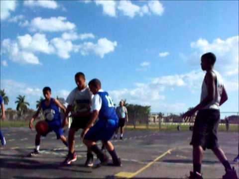 H.D. McMillan Basketball team 2012 vs Zelda - YouTube