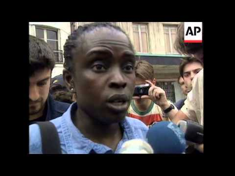 FRANCE: PARIS: DEMONSTRATION AGAINST IMMIGRANT RESIDENCY LAWS