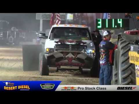 Women dominates the Sled Pulls at the Desert Diesel Nationals