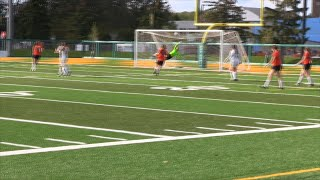 St  Clair edges out Mohawk to advance