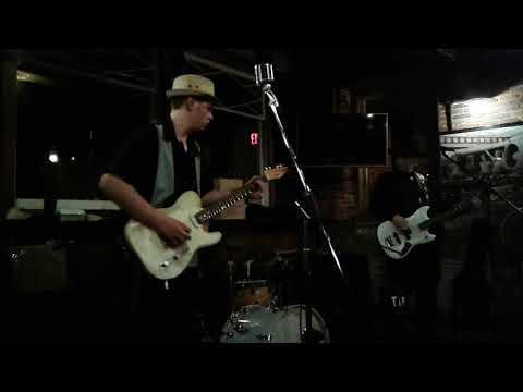 Memphis Lightning Surf Guitar Sampler Run of the Mill Saco Maine 11/18/17