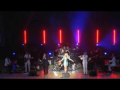 Christiana Uikiza LIVE Medley