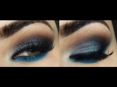 Макияж глаз синими тенями.