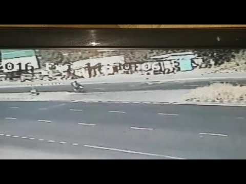 Dangerous accident on pune satara highway