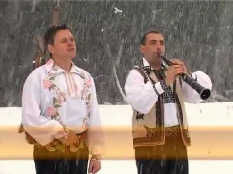 Colinde-De trei luni de cand venim-Puiu Codreanu
