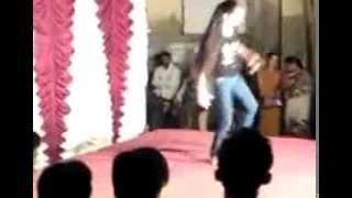 Dancing Girl Funny Accident on Stage In india