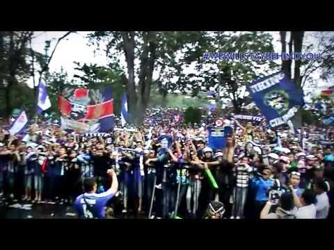 [ MERINDING!! ] KUBURAN feat. BOBOTOH - WE WILL STAY BEHIND YOU ( Live At Gedung Sate Bandung)