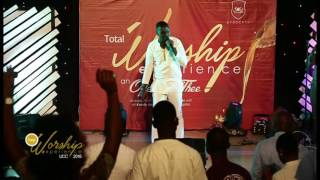 Minister Joe Mettle @ Total Worship Experience - UCC