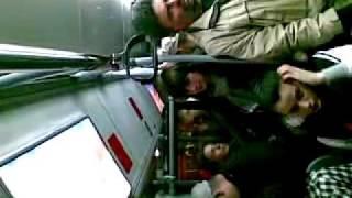 Pevanje u autobusu