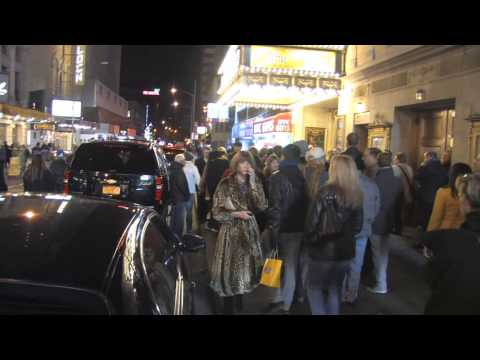 Anna Wintour Leaves 'Dead Accounts' At Music Box Theatre In NYC