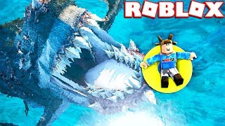 ESCACPE THE GIANT MEGALODON IN ROBLOX!