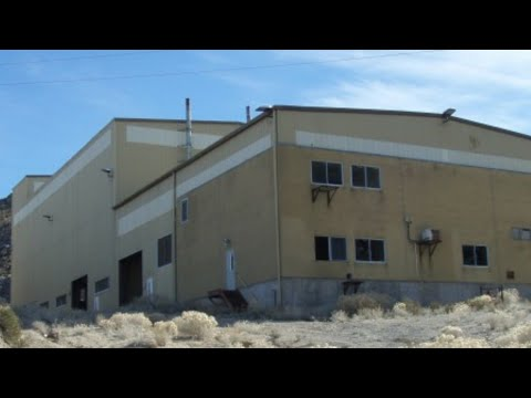 (AREA 51) CREEPY ABANDONED COMPLEX