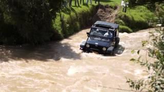 Jeep Wrangler Atraviesa el Rio   Manada Jeep 2011 Thumbnail