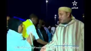 Video Une malienne évite le salut du roi Mohamed VI download MP3, 3GP, MP4, WEBM, AVI, FLV Agustus 2018