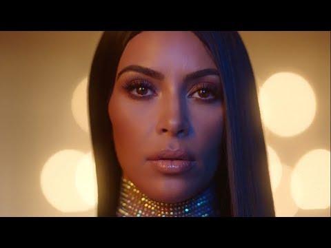 Kardashians RECREATE Iconic KUWTK Season One Intro