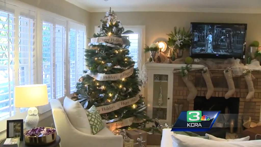 Go Inside The Fabulous 40s Homes Of Sacramento All Decorated For Christmas