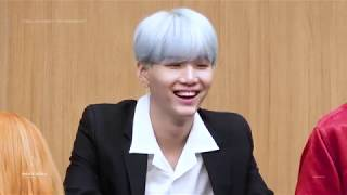Video 170922 LOVE YOURSELF 'HER' FANSIGN EVENT - SUGA FOCUS download MP3, 3GP, MP4, WEBM, AVI, FLV Agustus 2018
