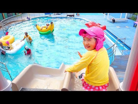 Boram play Giant Water Slide and Swimming Pool