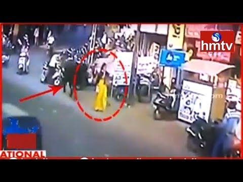 Bull Attacks On Women  In Gujarat | National Fast | Telugu News | hmtv