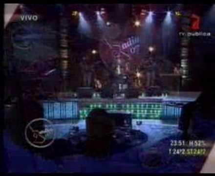 Abel Pintos - canción que acuna en Badia en concierto