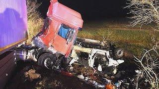 فرنسا: مقتل اثني عشر برتغاليا في اصطدام حافلة ركاب بشاحنة