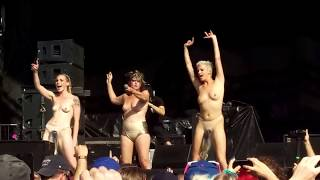 Peaches - Fuck the Pain Away - Riot Fest 2017