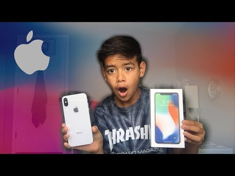 UNBOXING THE IPHONE X!!!! ( Silver )