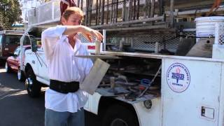Spinning plastering hawk on a trowel