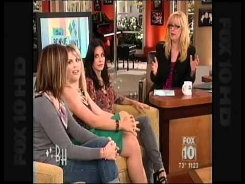 Courteney Cox,Busy Philipps & Christa Miller Cougar Town on  The Bonnie Hunt  2009