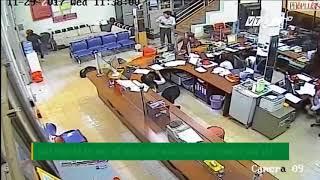 VTC14 | Giây phút kẻ bịt mặt nổ súng cướp ngân hàng bất thành ở Đắk lắk
