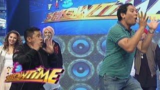 "It's Showtime: Zeus, Jhong, Joey, and Ogie dance ""Ikaw ang Sunshine Ko, Isang Pamilya Tayo"""