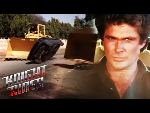 K.I.T.T. Escapes Tractor Trouble | Knight Rider