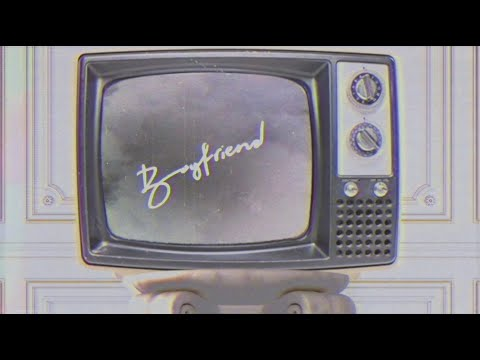 Ariana Grande & Social House - boyfriend (lyric video)
