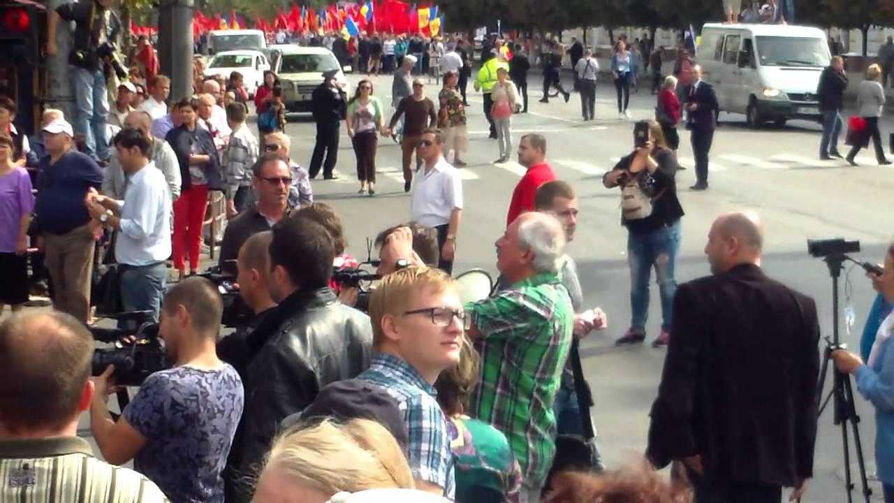 Trei fluxuri protestatare s-au întîlnit în #PMAN fără incidente