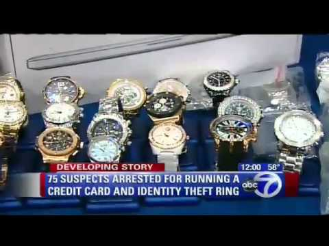 What is a credit card scammer
