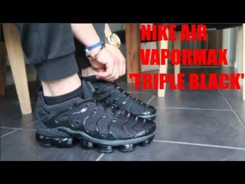 nike vapormax plus triple black