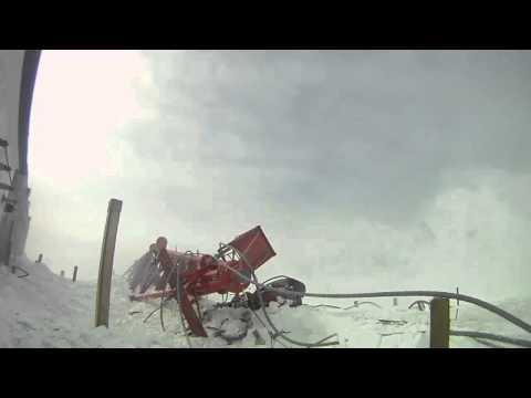 Демонтаж мачты станции LORAN на Аляске