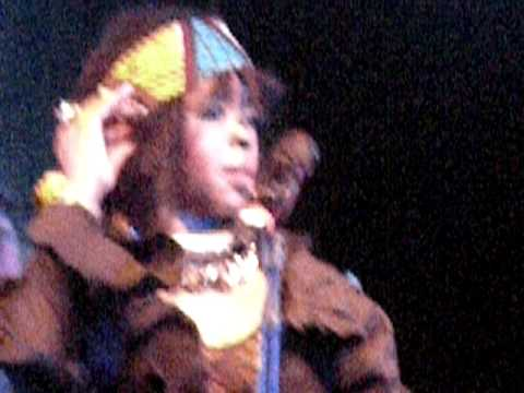 Lauryn Hill - The Sweetest Thing -- LIVE in Hawaii 4/3/11